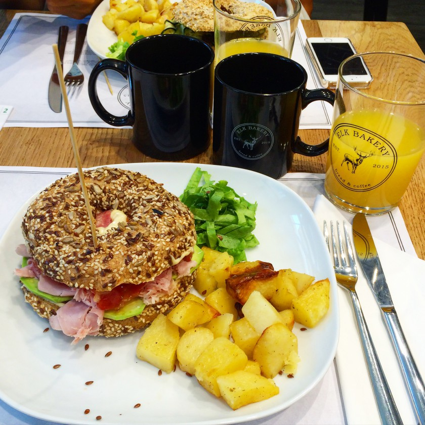 Brunch Elk Bagel Lakers 3