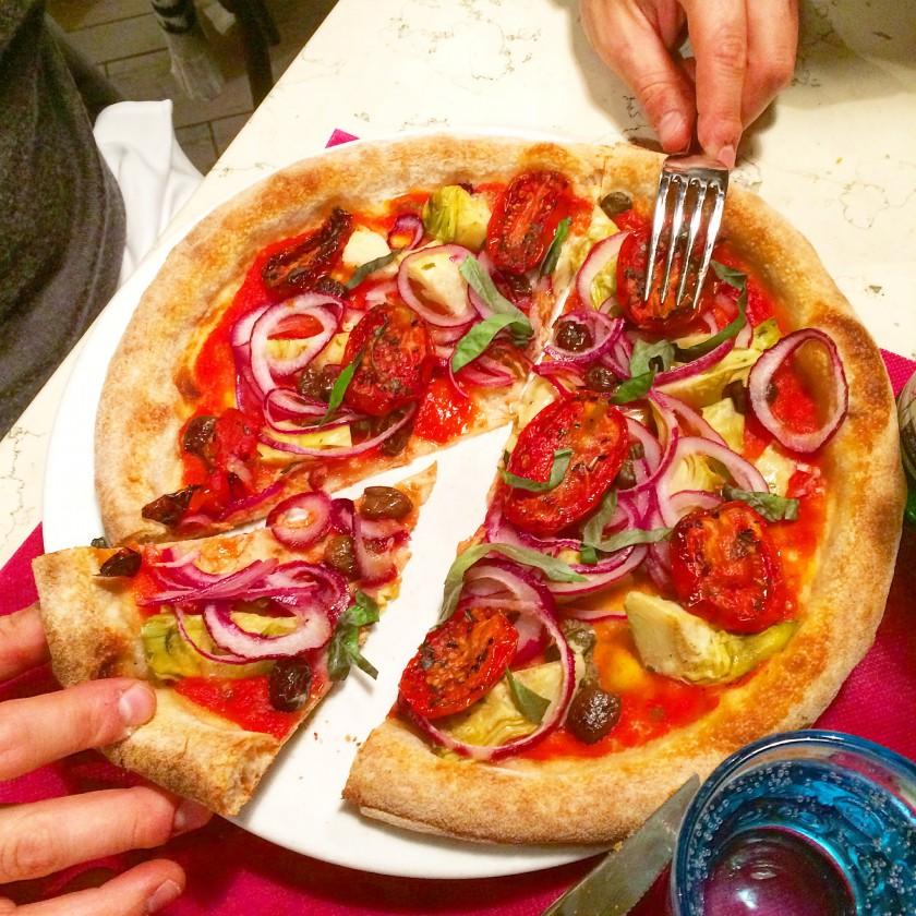 Pizzeria Leon D'Oro Pizza Mediterranea